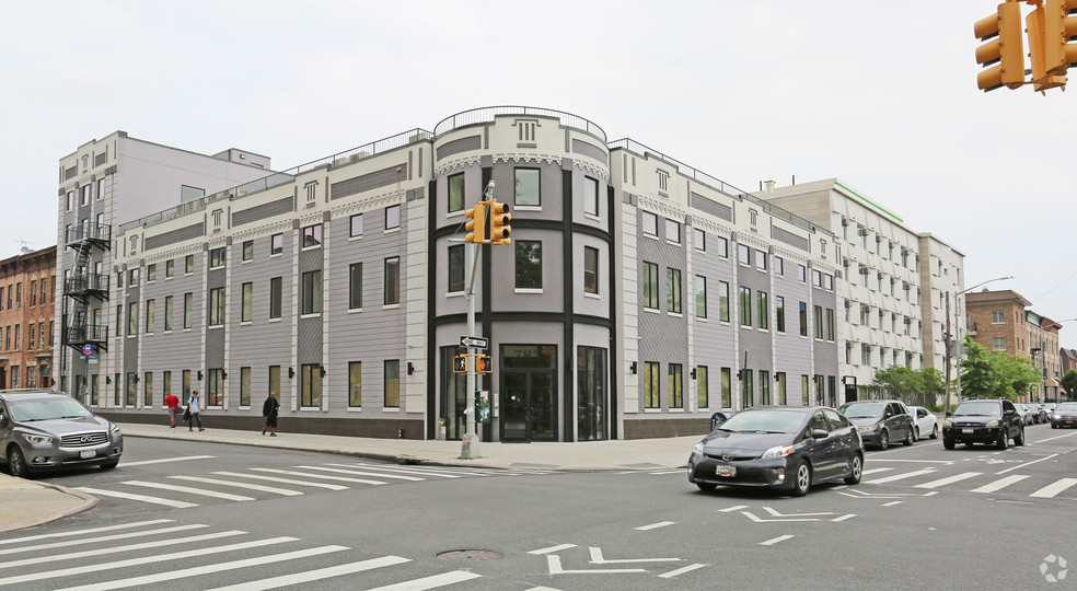 783 Knickerbocker Avenue, Brooklyn, NY 11207