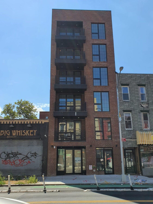 522 Grand Avenue, Brooklyn, NY 11238